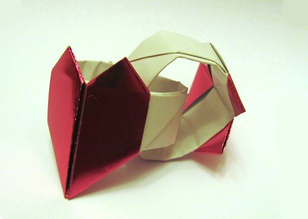 Valentines Origami Ring With A Heart Bambinis