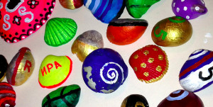 painting on sea shells