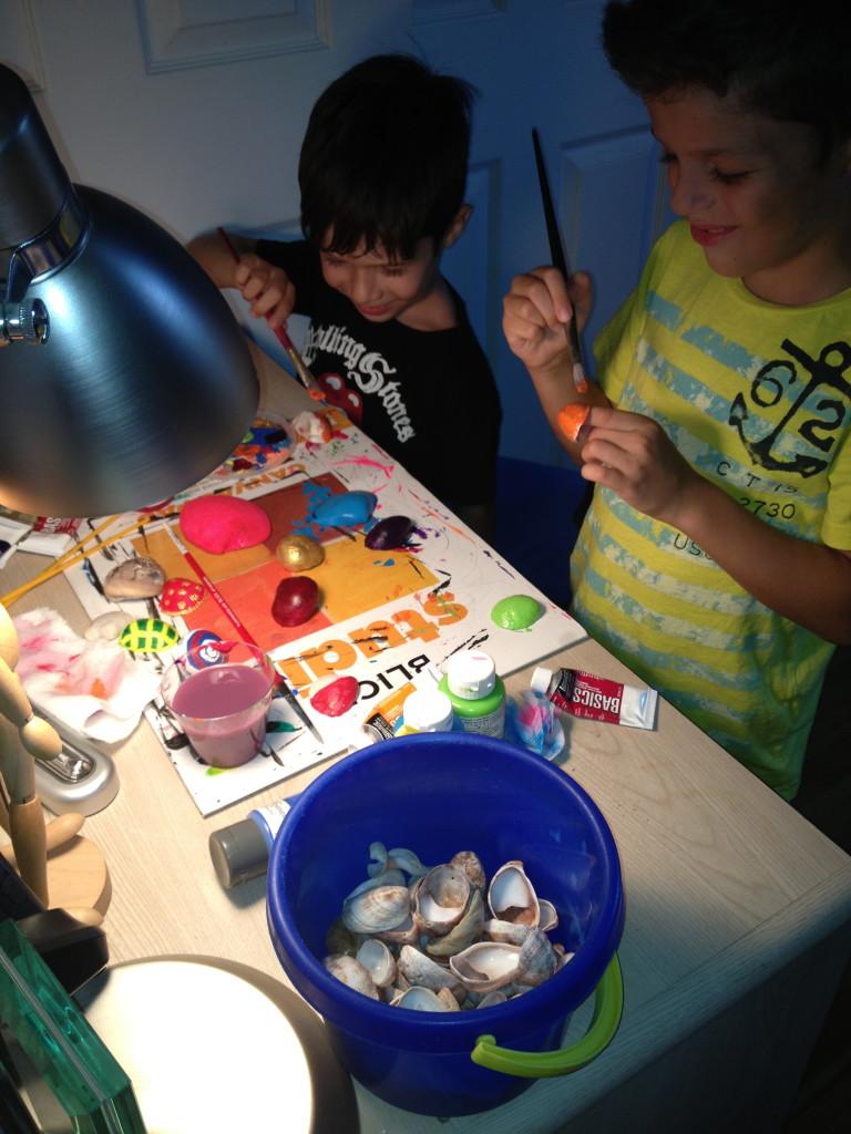 painting on sea shells
